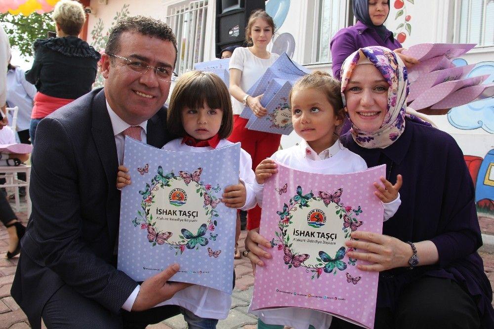'Ülkesine sevdalı çocuklar yetiştirmeliyiz'