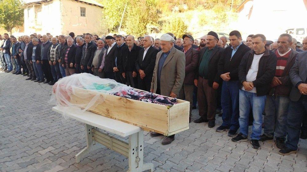 Üniversiteli Merve, Tokat'ta toprağa verildi