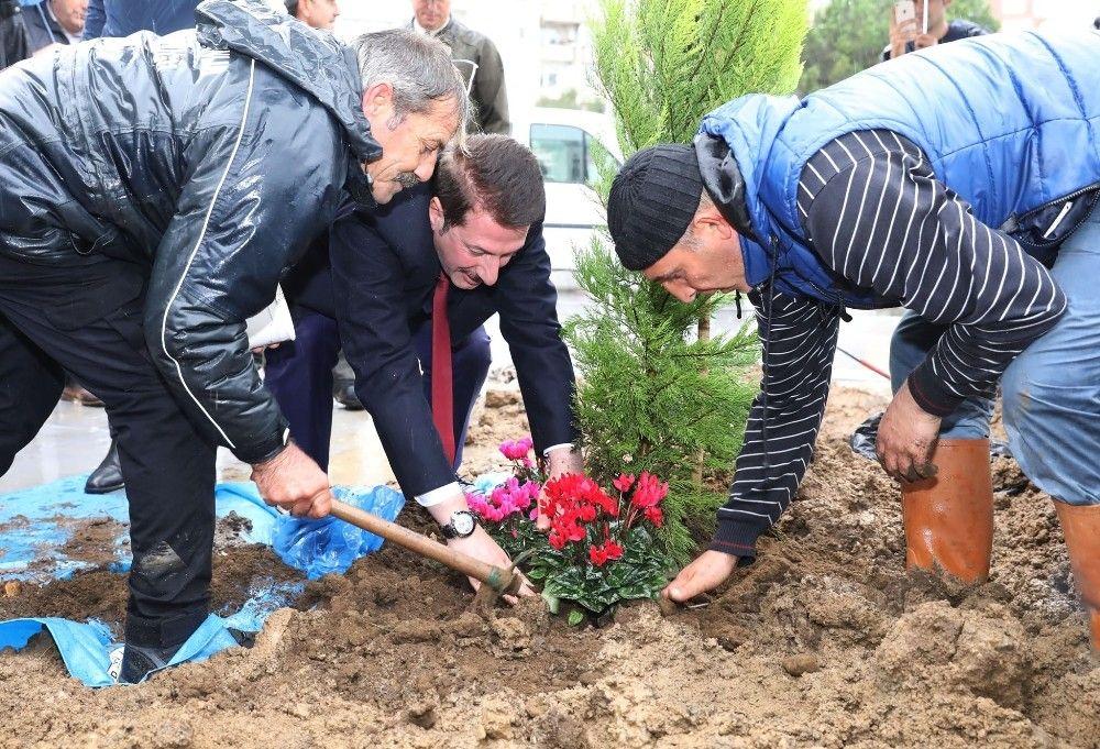 Emine Ahmet Yeni Kız İHL'de ilk fidan dikildi