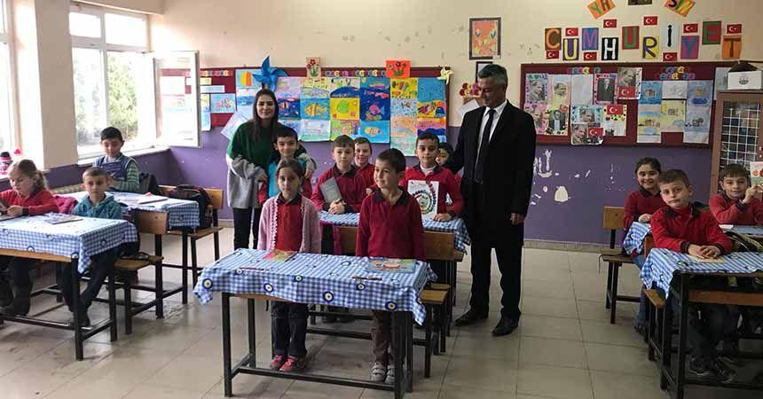 'Çocuklar Okusun Diye' kitap bağışladılar