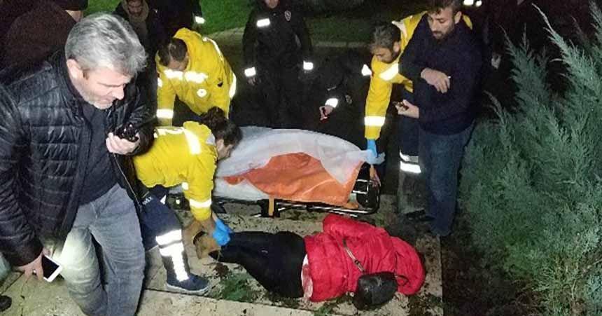 Genç kadın parkta vuruldu