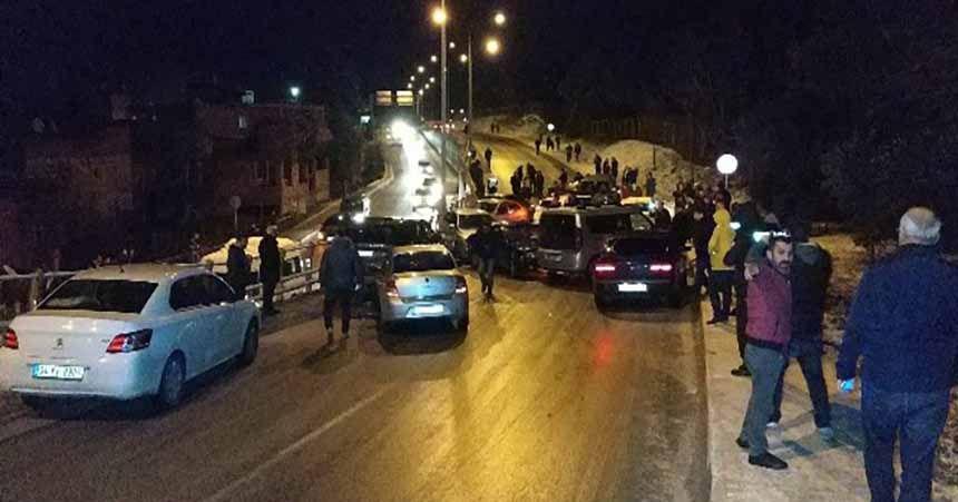 13 araç birbirine girdi: 4 yaralı