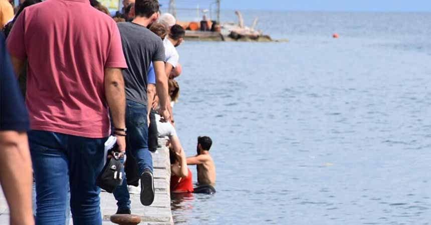 Sinop'ta panik anları... 2 kadın denize düştü