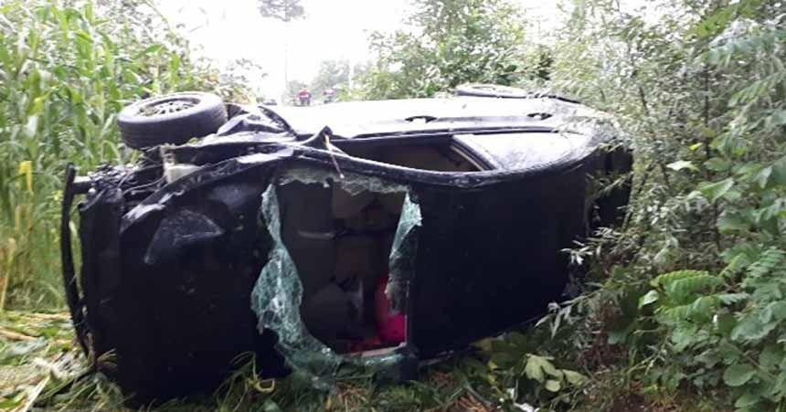 Otomobil mısır tarlasına yuvarlandı: 4 yaralı