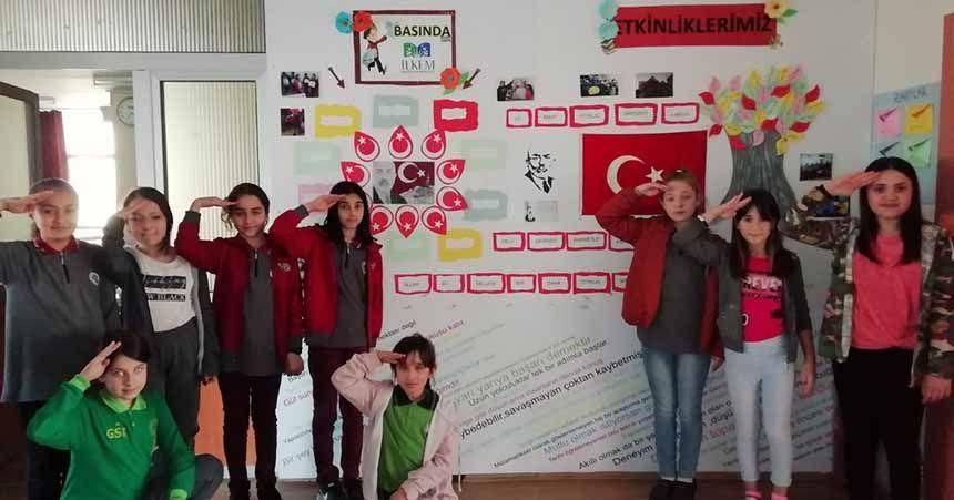 İlkem öğrencileri Mehmet Akif'i andı