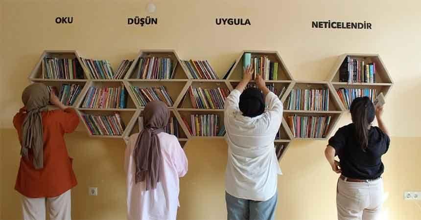 Bu kez Canik'e kütüphane kurdular
