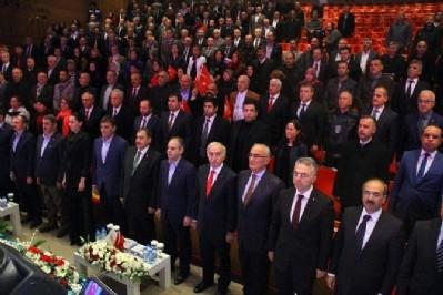 'Cumhurbaşkanı'nın kahramanlığı sayesinde ayaktayız'
