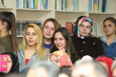Kütüphaneye duygusal açılış