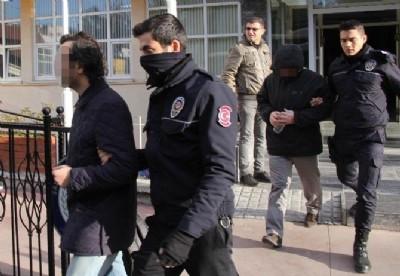 3 akademisyen FETÖ'den tutuklandı