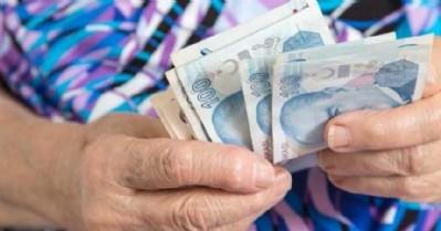 Büyükanne maaşı için 30 bin başvuru!