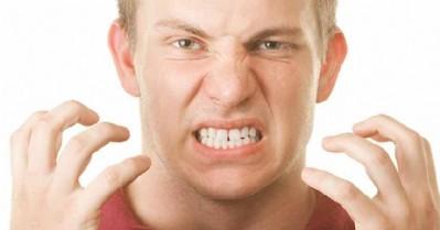 Kıskançlık dişlere zarar veriyor!