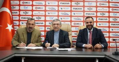Samsunspor geleceğin yıldızlarına sahip çıkıyor