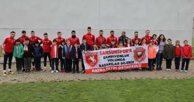 Samsunspor'a öğrencilerden moral