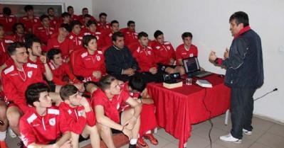 U17 ve U19 takımlarına seminer
