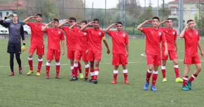 U-15'ler Yomraspor'u yendi